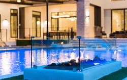 custom-pool-with-swim-up-bar-and-fire-features-8