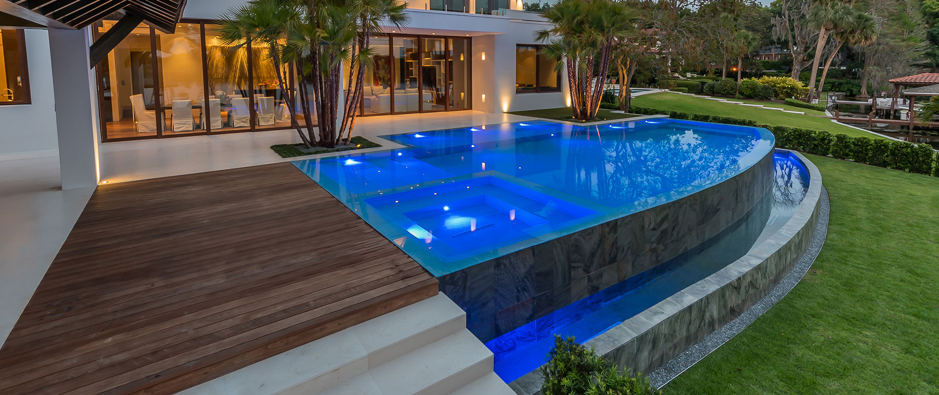 Custom-pool-with-infinity-edge-and-tile-interior-4