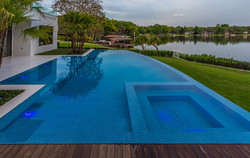 custom-infinity-edge-pool-on-lake2