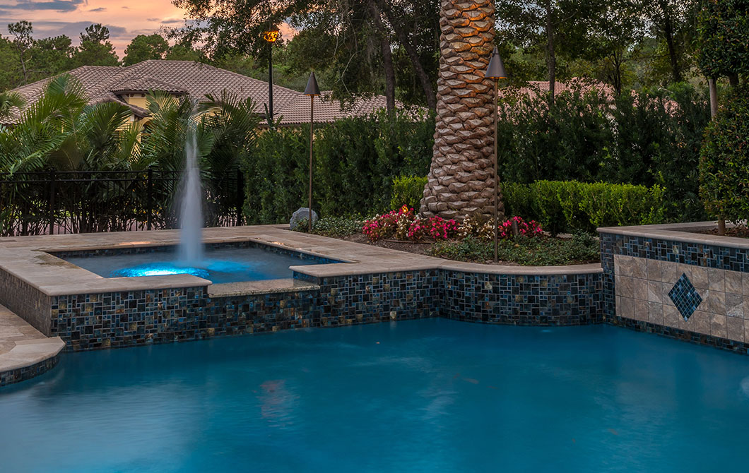 Pool-with-fountains-and-water-features-2