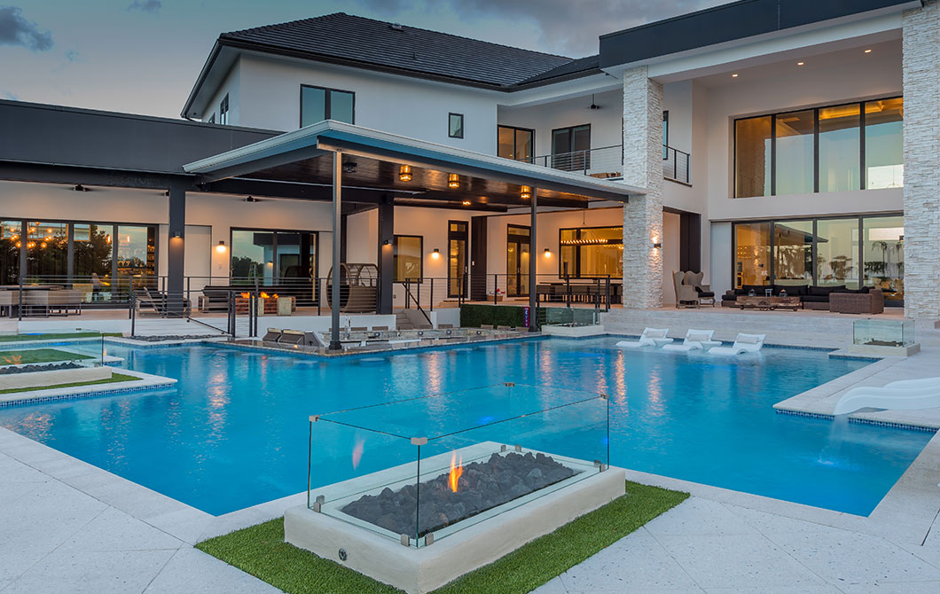 custom-pool-with-swim-up-bar-and-fire-features-3