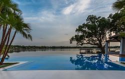custom-infinity-edge-pool-on-lake3
