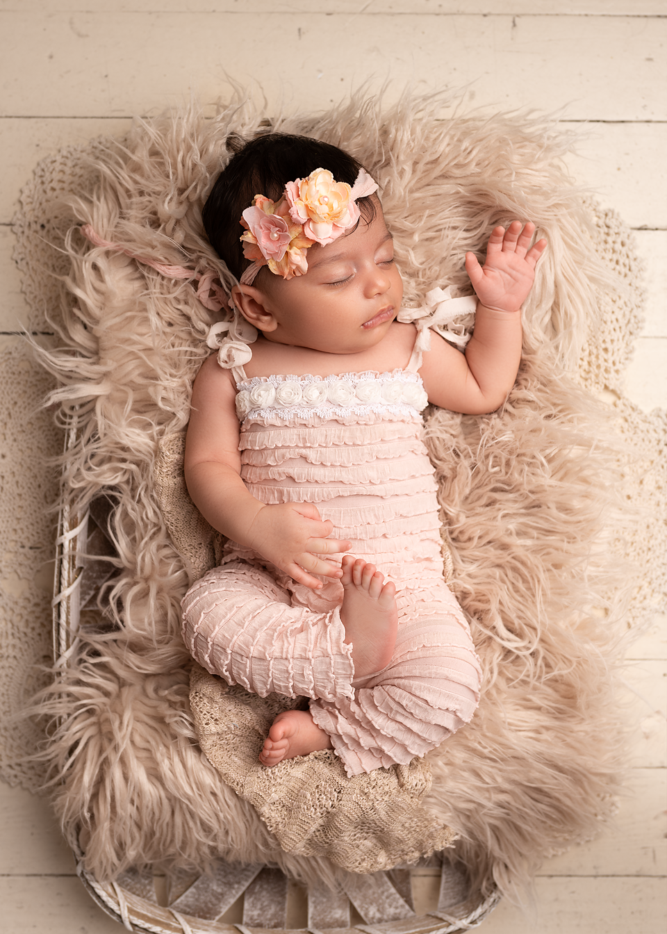 newborn photographer Pinehurst studio picture maternity gown Southern Pines aberdeen portrait sibling portrait with baby