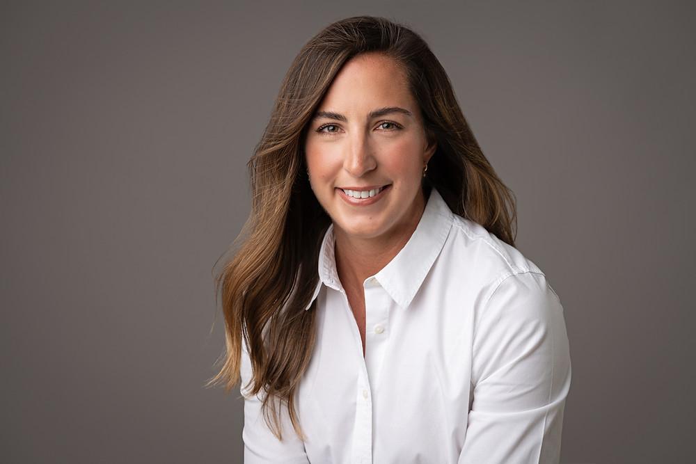 studio headshots business woman aberdeen  lifestyle white background pinehurst