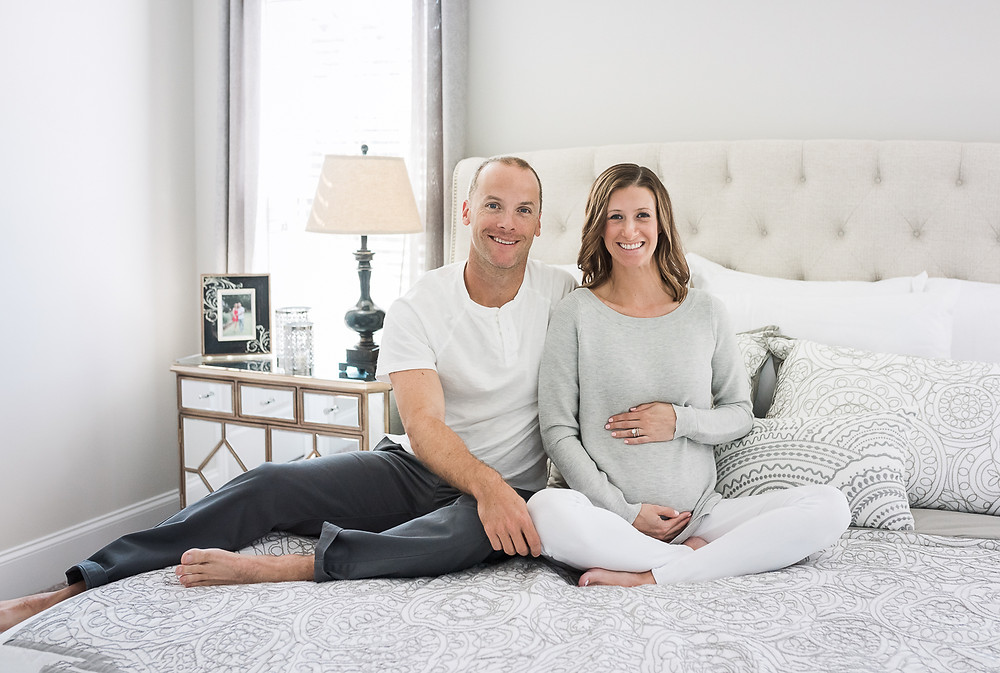 In- home lifestyle maternity session in Aberdeen. Aberdeen maternity session at home