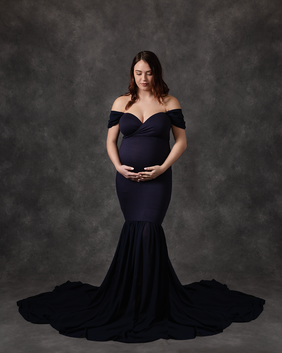 makana photography, maternity tulle gown, Southern Pines and Pinehurst Photographer, photo studio