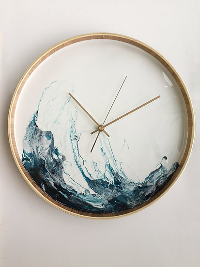 Light wave resin tray clock (30cm)