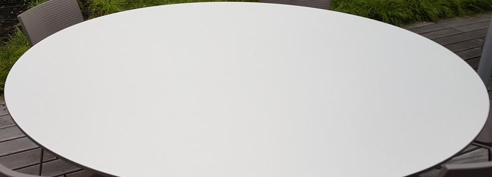 Folierung Terrassenmöbel Mitarbeiterkantine Unterföhruing