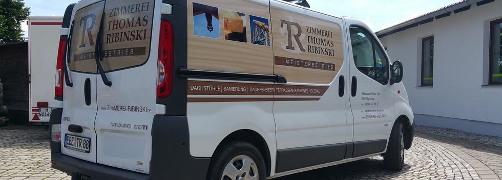 Transporter mit Digitaldruck, Heckscheibe mit Lochfolie