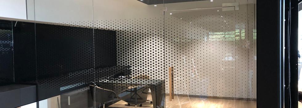 Pixelgrafik schwarz für Trennwände
