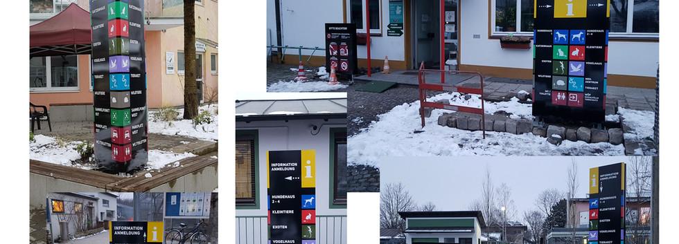 Wegeleitsystem, Pylone mit unterschiedlichen Höhen, Digitaldruck mit Schutzlaminat