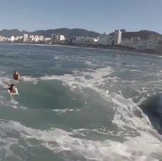 Stephan Figueiredo No arpoador com sua fish 4