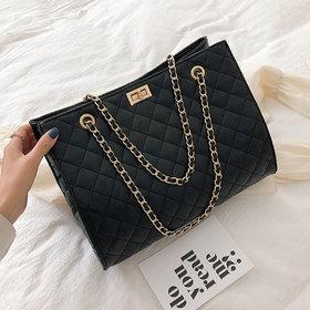 claudiag-quilted-shoulder-bag-20802364178582_hMC7FfY.jpg