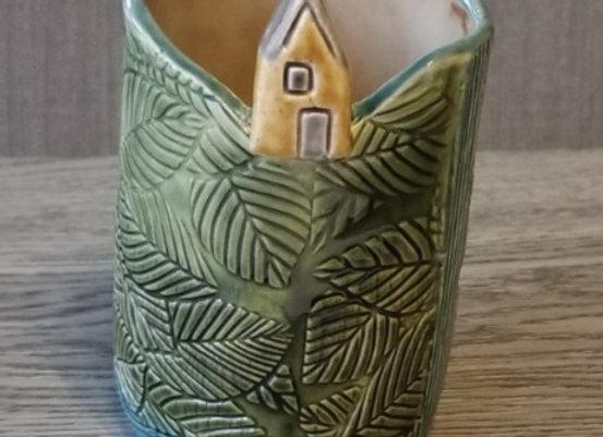 #P-77 Little House Vessel