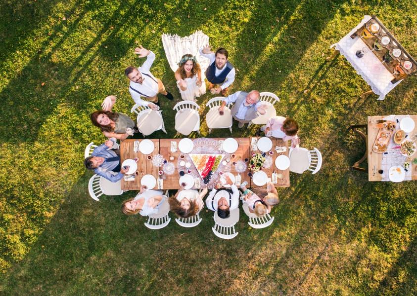 wedding-reception-outside-in-the-backyar