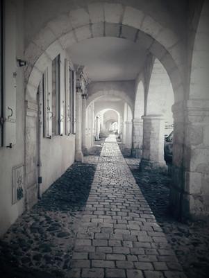 Terre en Vue - Les arcades de la vieille ville de La Rochelle