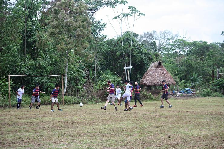 Football - Cocha Cashu vs Maizal