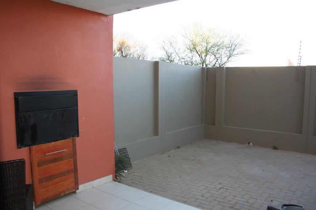 ceylon-patio