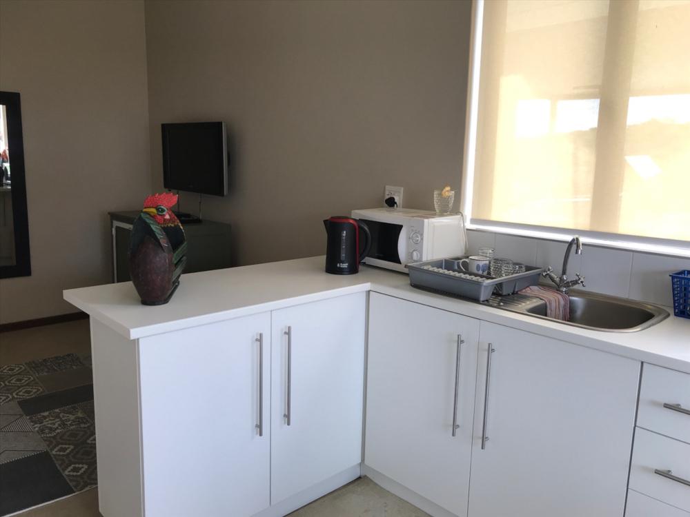 extra kitchen