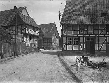 Dorfstraße Altenhasungen, um 1927 © Bildarchiv Foto Marburg / Georg Textor - www.fotomarburg.de