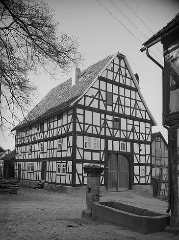 Bauernhaus – Giebel- und Seitenansicht, um 1930, © Bildarchiv Foto Marburg - www.fotomarburg.de