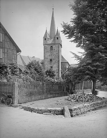 Evangelische Kirche Altenhasungen – Westansicht, um 1927 © Bildarchiv Foto Marburg / Georg Textor - www.fotomarburg.de