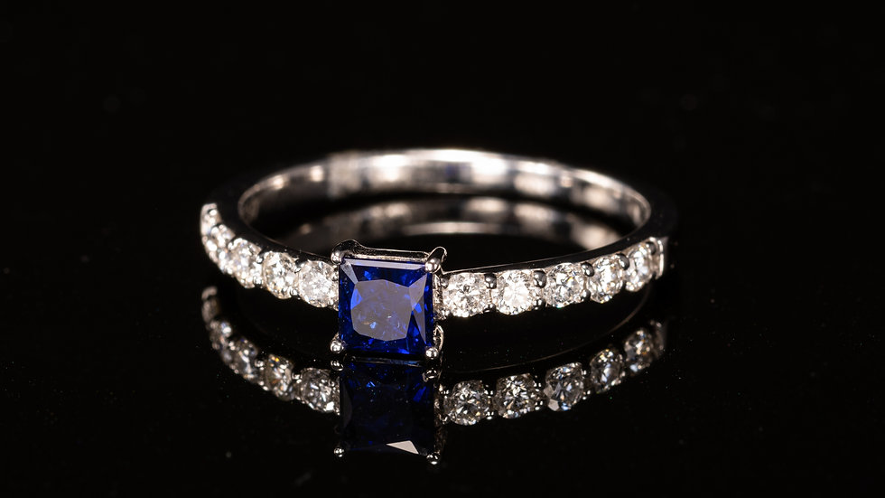 18ct White Gold, Blue Sapphire & Diamond