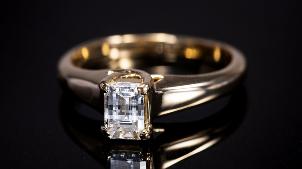 18ct Yellow Gold Emerald Shaped Asscher Cut Diamond Ring 0.50ct