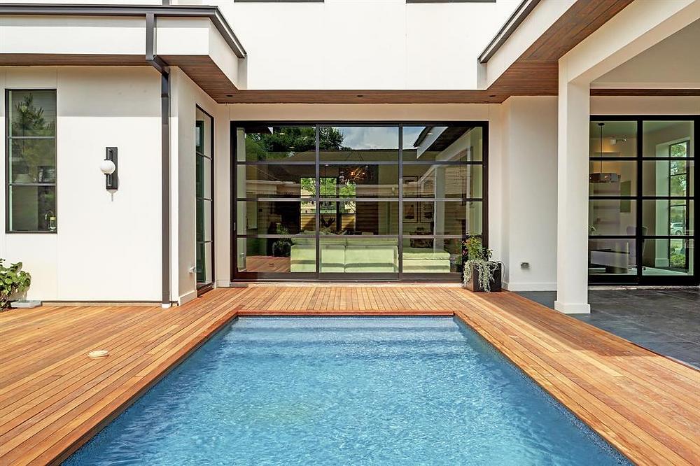 Custom home by Mirador Builders {Photos via har.com}
