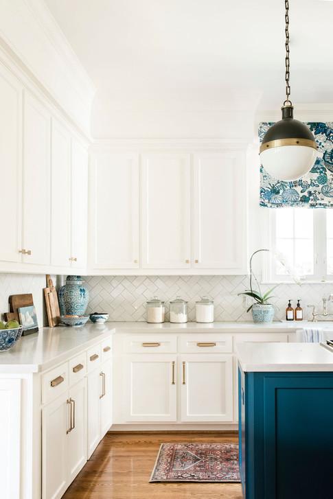 Modern traditional kitchen by Nancy Lane Interiors