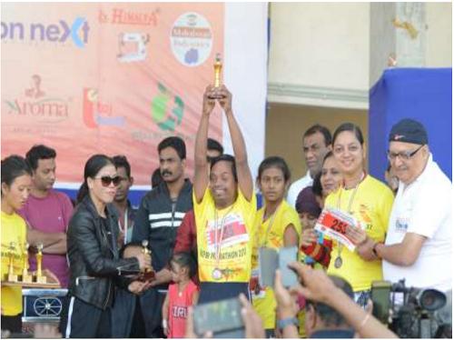 Mary Kom with team