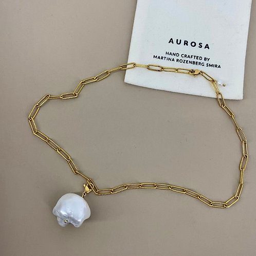 Pearl Lady necklace