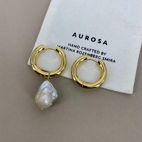 Chunky Hoop Pearl earrings
