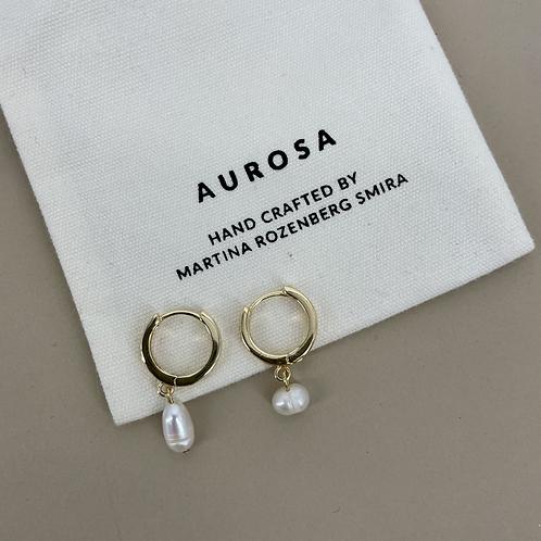 Pearl Babe earrings