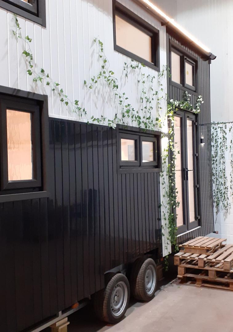 TinyUK Home Model: Moni Omega Style 1 with Ivy