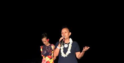 la ministre durant son discours, avec Ka