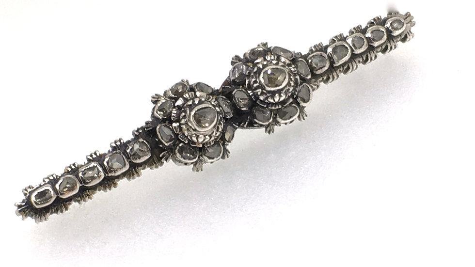 Antiek Zilveren Broche met Roosgeslepen diamanten.