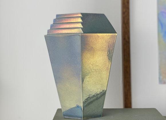 Tall bismuth vessel