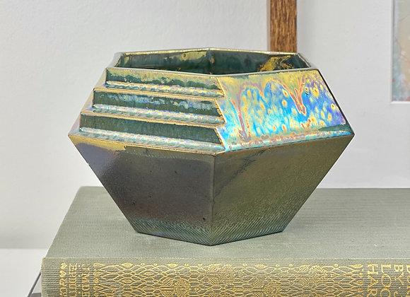 Short bismuth vessel