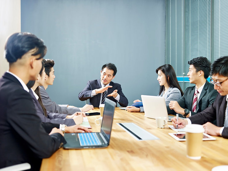 税理士・司法書士・弁護士 各領域の専門家が、個人事業主・中小企業経営者をトータ