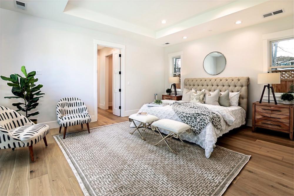 Rug size in bedroom