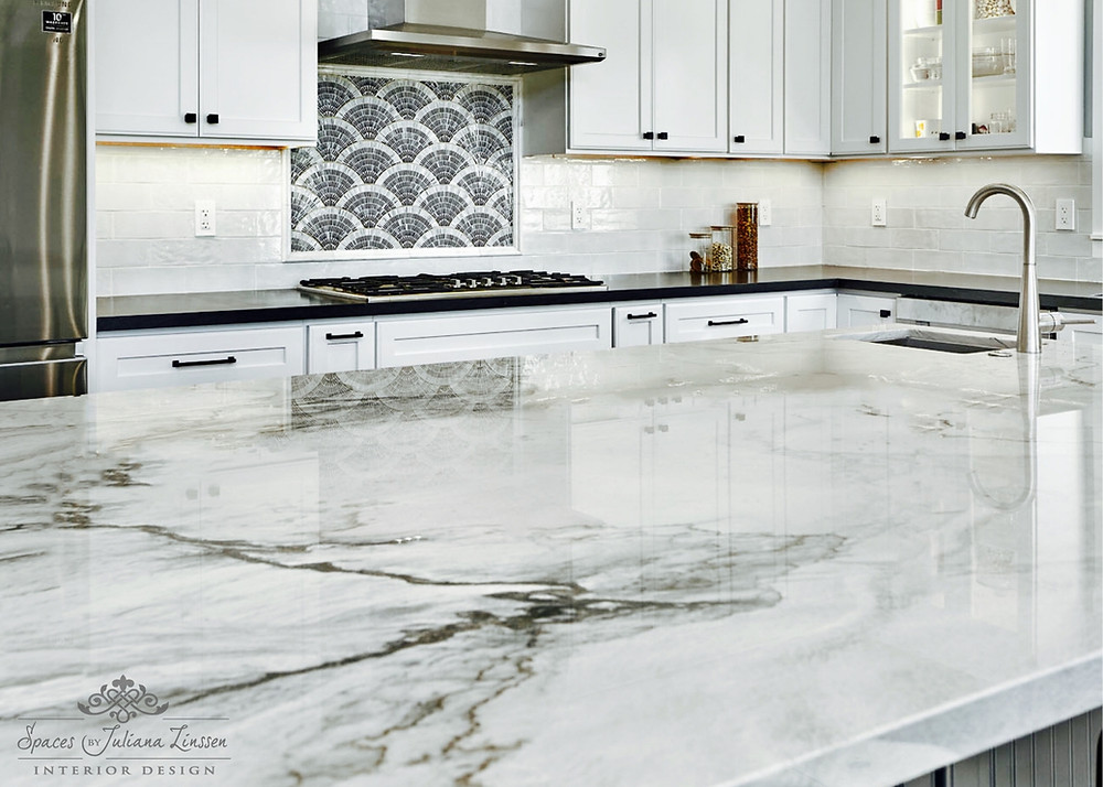 Kitchen countertop and backsplash combinations