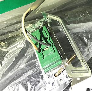 コンセントが通電しなくなり電線接続部分が焼けて壊れた。