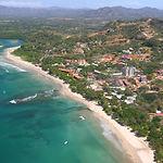 Costa_Rica_Playa_Tamarindo_and_Rivermout
