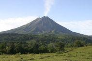800px-Arenal-Volcano.jpg