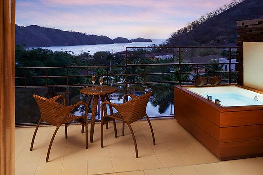 Junior_Suite_Ocean_View_balcony.jpg