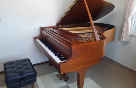 スタインウェイグランドピアノL型のご納品