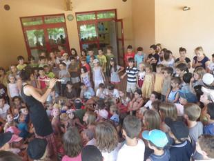 Concert  des petites sections jusqu'aux CM2, Lubéron, juin 2012