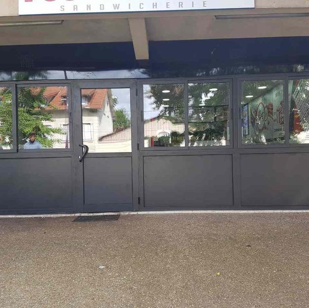 vitrines_fenetresfab_16 (4).jpg