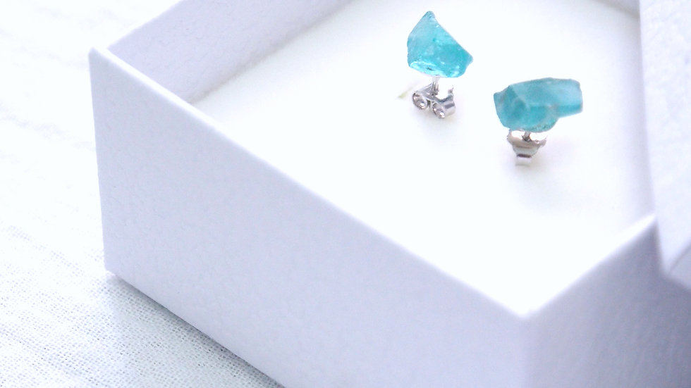 Blue Snow apatite earring (not aquamarine) (Option: clip-on avaliable)
